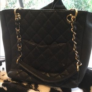 CHANEL Authentic Black caviar with Gold chain